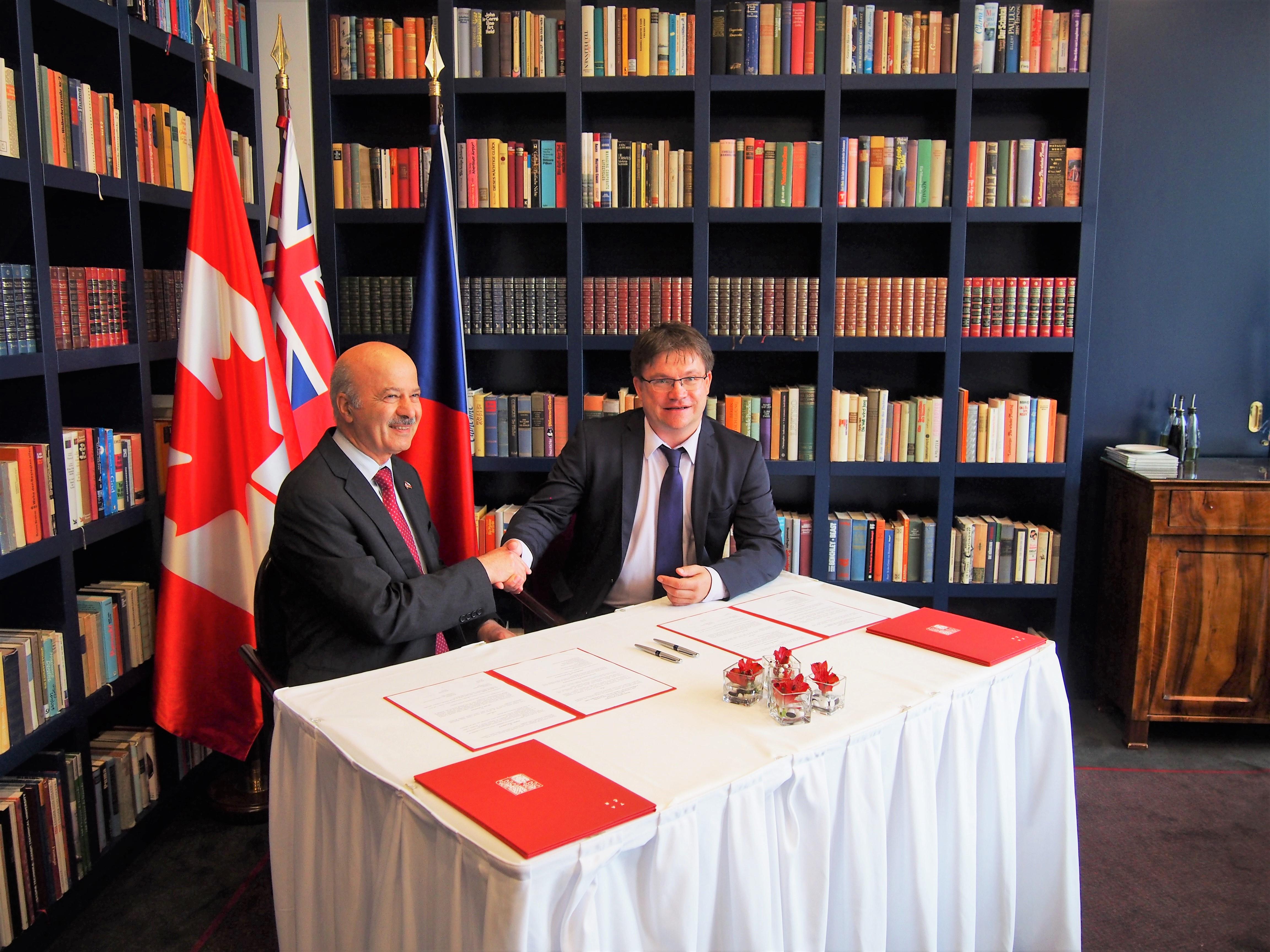 170901 podpis MoU Ontario